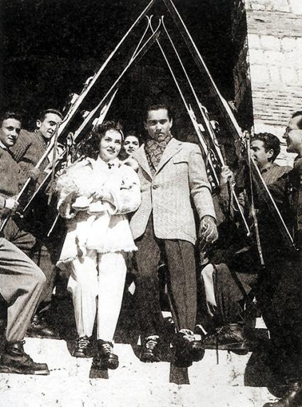 Il matrimonio dell'attrice Gina Lollobrigida, celebrato nella Chiesetta degli Alpini, Terminillo, 1949