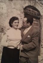 Teresa e Nando, Scandriglia, 1957. Acquisizione digitale da stampa positiva alla gelatina ai sali d argento, 7 x 10,5 cm.