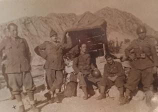 Chiuppi Giovanni con altri soldati, fronte greco-albanese 1941