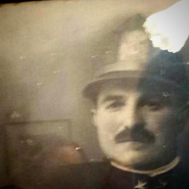 Oreste Ventura, soldato alla Prima Guerra Mondiale a Scandriglia, dettaglio, elaborazione in digitale su Instagram di una foto incorniciata, stampa alla gelatina ai sali dargento, 18 x 23 cm.
