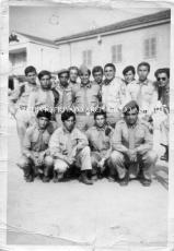 Un gruppo di giovani comparse amatriciane con Gino Santercole (settimo da sinistra)
