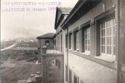 PROSPETTO CORPO PRINCIPALE ORFANOTROFIO MASCHILE VISTA FRAZIONE S. CIPRIANO