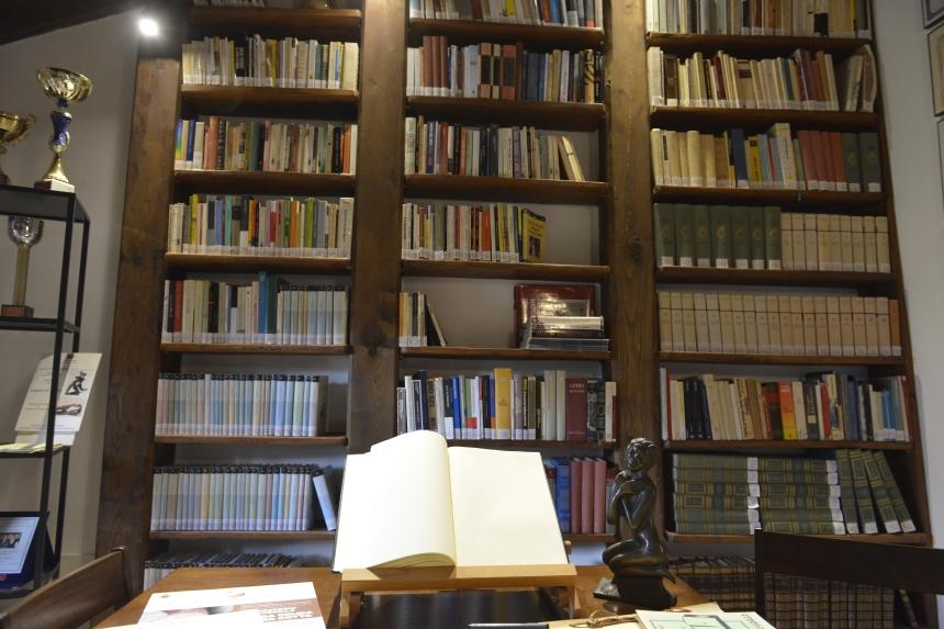 "Biblioteca Casa Museo ""Angelo di Mario"""