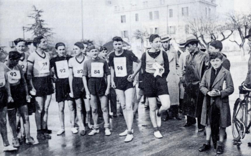 Rieti, Giro podistico delle tre strade, 1940, foto tratta da CONI-FIDAL Rieti, Atletica a Rieti, Rieti, Infograph, 1995.