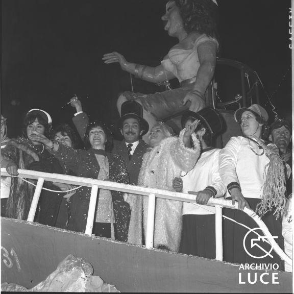 Archivio Storico Luce, Fondo Vedo, FV00117209, Rieti, Carnevale, 12 febbraio 1961